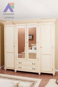 Lemari Pakaian Jepara 4 Pintu Kaca Klasik Mewah